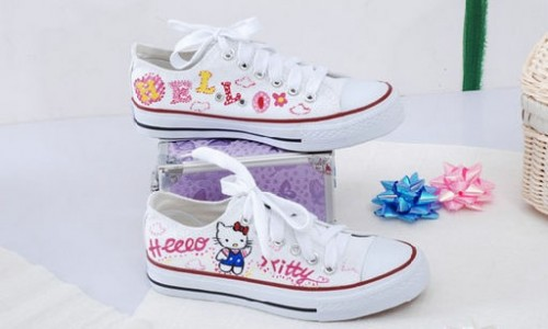 Low Hello Kitty White Pink Hand Painted Canvas Shoes-1