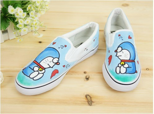 Low Doraemon Sky Blue Hand Painted Canvas Shoes-3