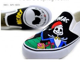 Punk Rock Style Hand Painted Slip-on Canvas Shoes-2
