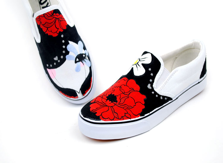 Dummy Doll Cartoon Girls Hand Painted Slip on Canvas Shoes-2