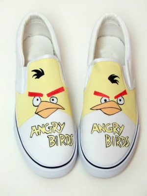 Low Angry Birds Yellow White Hand Painted Canvas Shoes-4