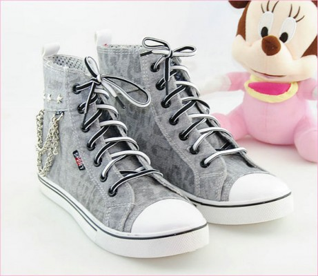 Painted Shoes Mental Chain Grey Canvas Women Shoes-2