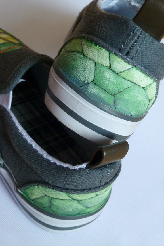 TMNT Painted Shoes TMNT Painted Canvas Shoes-3