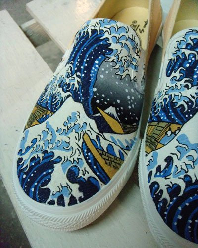 The Great Wave off Kaganawa Slip-on Painted Canvas Shoes-1