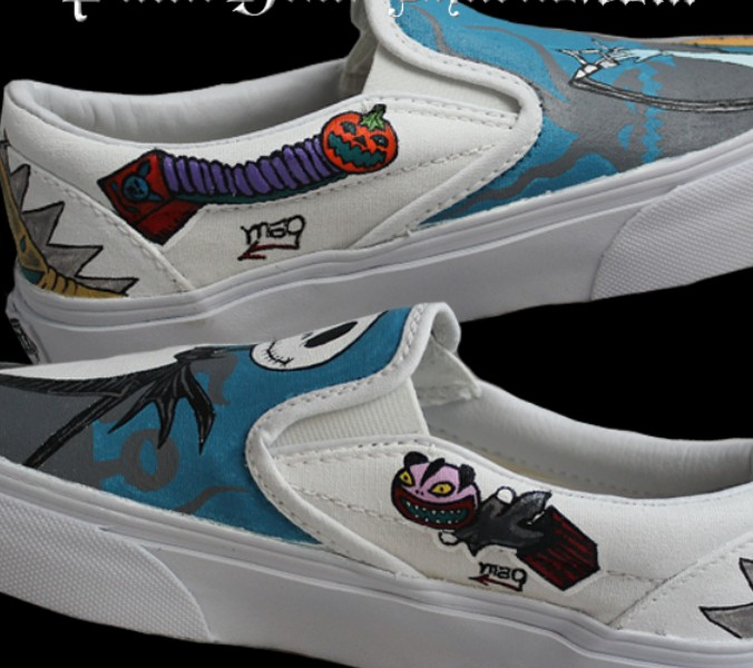 Nightmare Before Christmas Slip-on Painted Canvas Shoes-2