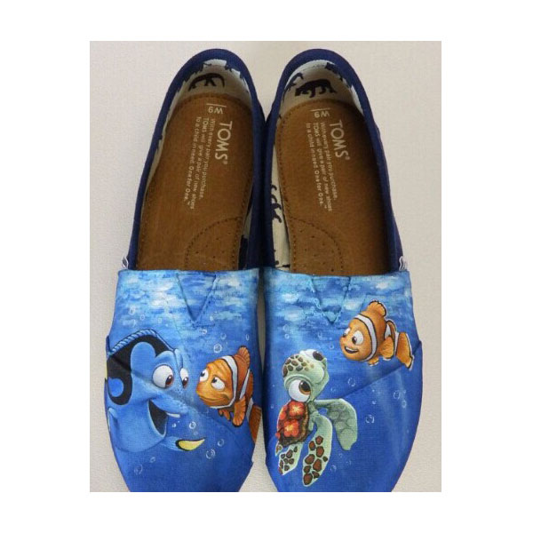 Custom hand painted Toms shoes Disney and Pixars Finding Nemo To