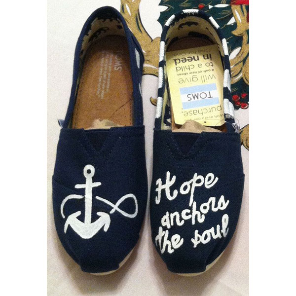 Handpainted Hope anchors the soul Toms