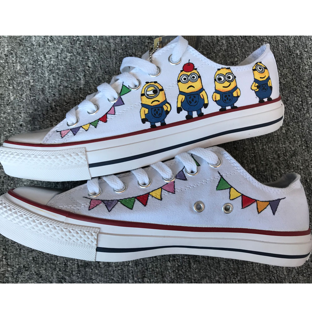 Converse All Star Chuck Taylor Unisex's Laughing Minions Hand Pa-1