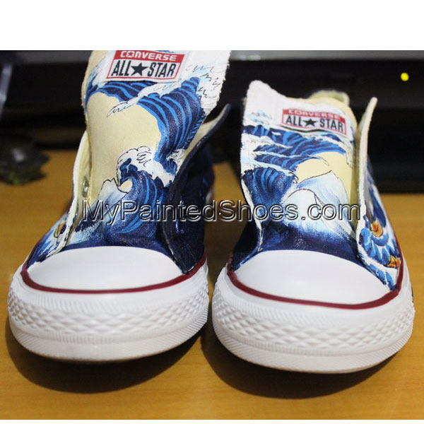 Lowtop Sneakers Custom The Great Wave off Kanagawa Custom Chuck-1